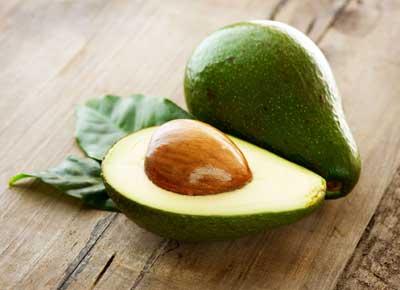 Avocado mit Limette - Eis Trend 2019