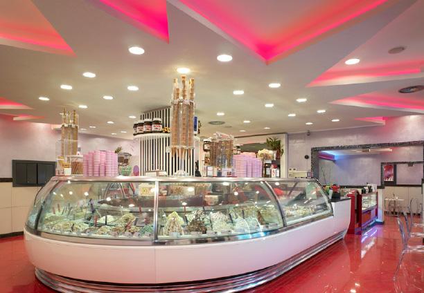 Ladenausbau für Eisdiele vom Speiseeishersteller